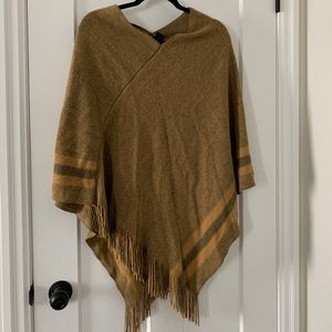 Steve Madden Poncho in mustard and gray